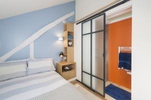 murs blanc et couleurs murs bleu